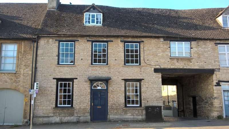 4 Bedrooms Town House for sale in Witney, Oxfordshire