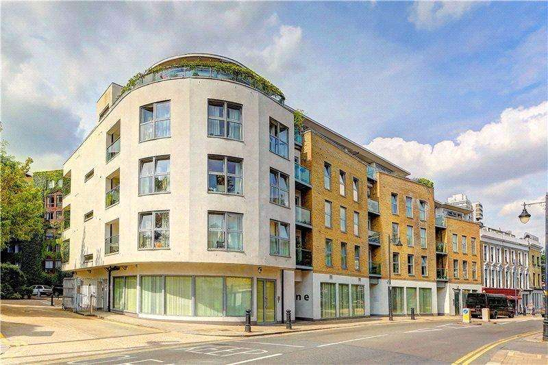 2 Bedrooms Flat for sale in Battersea Square, Battersea, London, SW11