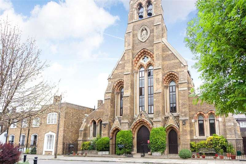 2 Bedrooms Flat for sale in St. Clement's Court, 60 Arundel Square, London, N7