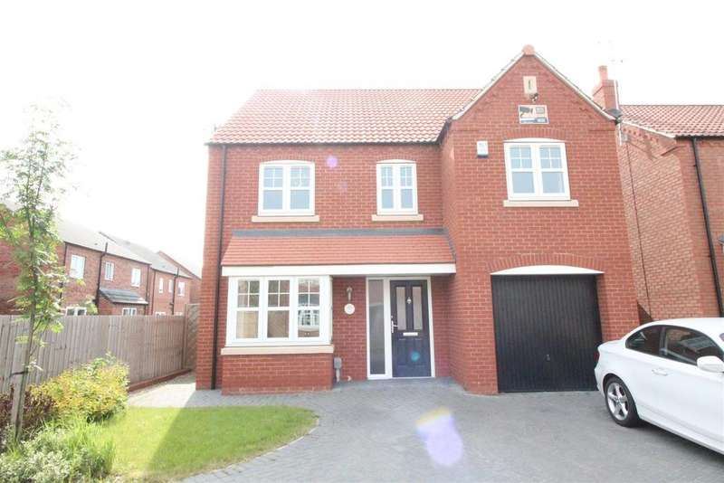 4 Bedrooms Detached House for sale in Farrier Close, Kingswood, Hull