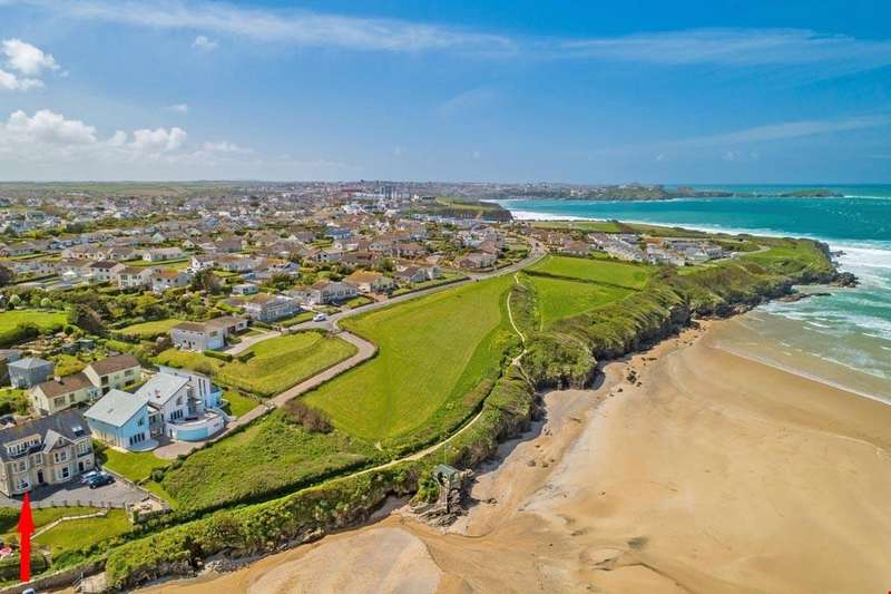 2 Bedrooms Ground Flat for sale in Porth Beach, Newquay, Cornwall, TR7