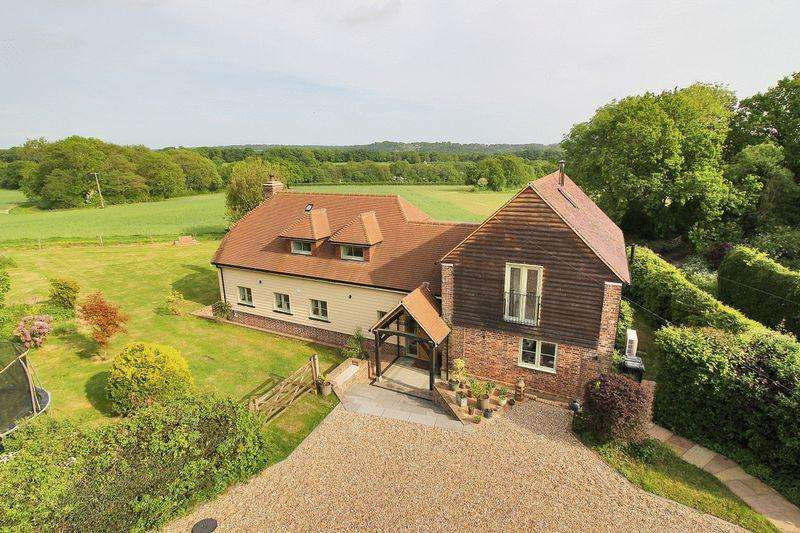 4 Bedrooms Detached House for sale in Royal Oak Lane, High Hurstwood, East Sussex