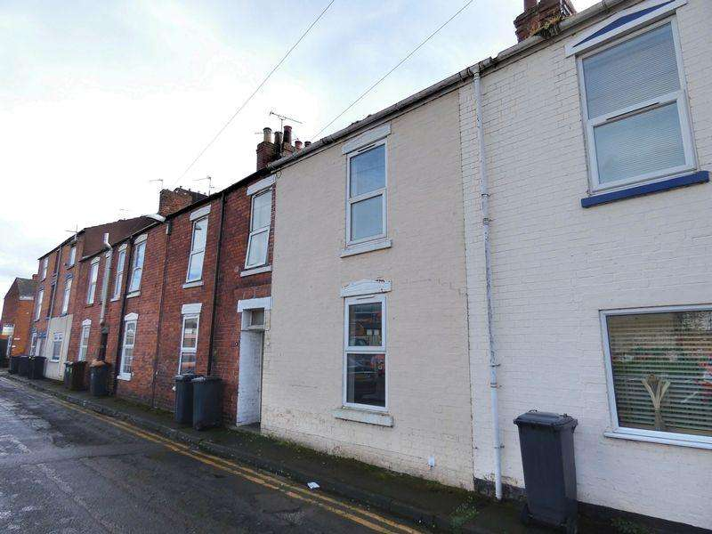 3 Bedrooms Terraced House for sale in Spa Buildings, Lincoln