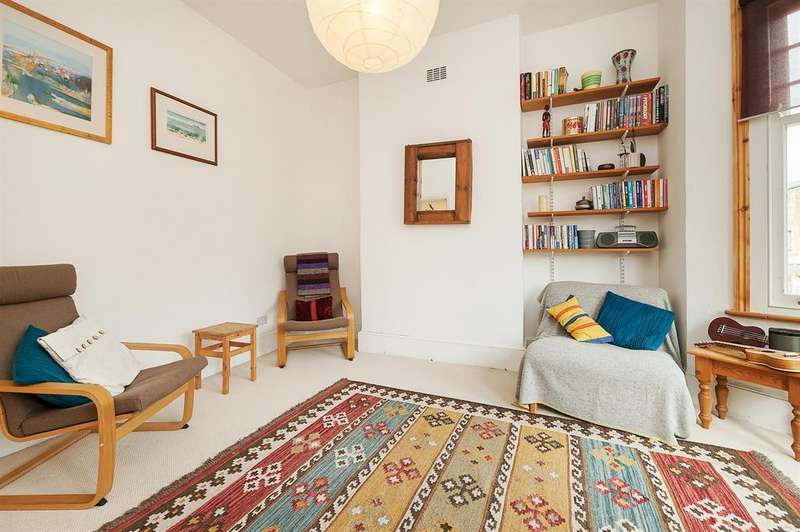 3 Bedrooms Flat for sale in Alcester Crescent, London, E5
