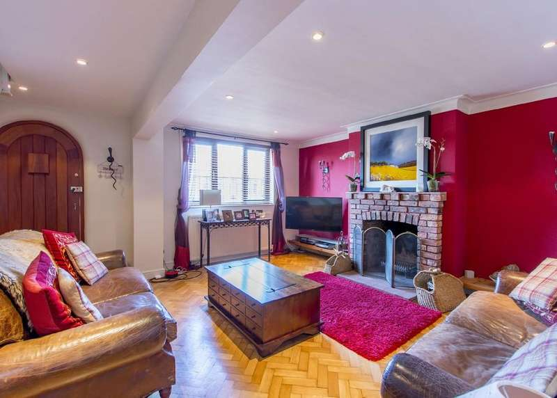 3 Bedrooms Detached House for sale in Wilsic Road, Tickhill