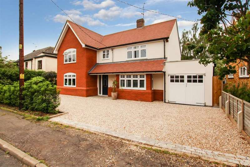 4 Bedrooms Detached House for sale in Fernlea Road, Burnham-On-Crouch
