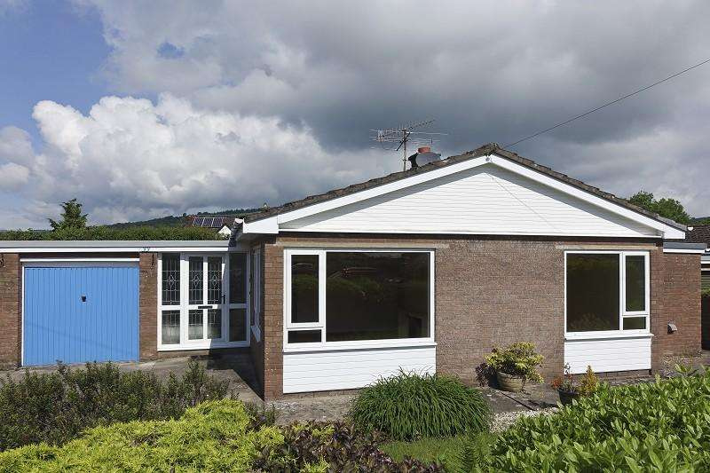 3 Bedrooms Bungalow for sale in Pencommin , Llangynidr, Crickhowell, Powys.