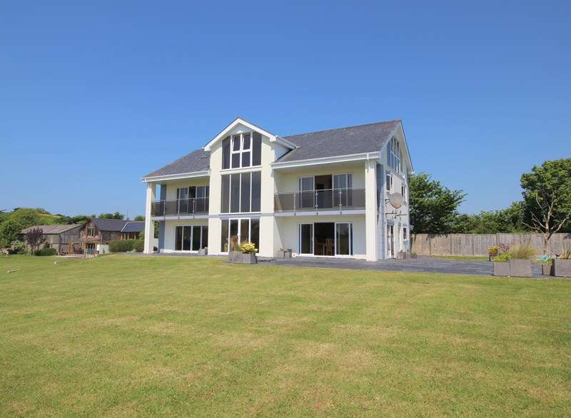 5 Bedrooms Detached House for sale in Bidna Lane, Northam, BIDEFORD