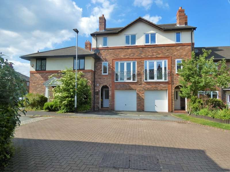 4 Bedrooms Town House for sale in Ash Road, Lymm, Cheshire, WA13