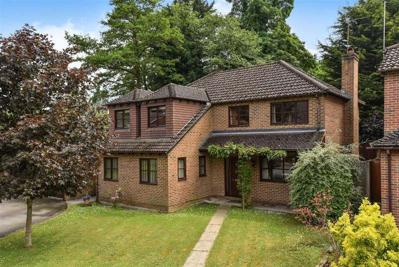 4 Bedrooms Detached House for sale in Benson Road, Crowthorne, Berkshire, RG45 6DH