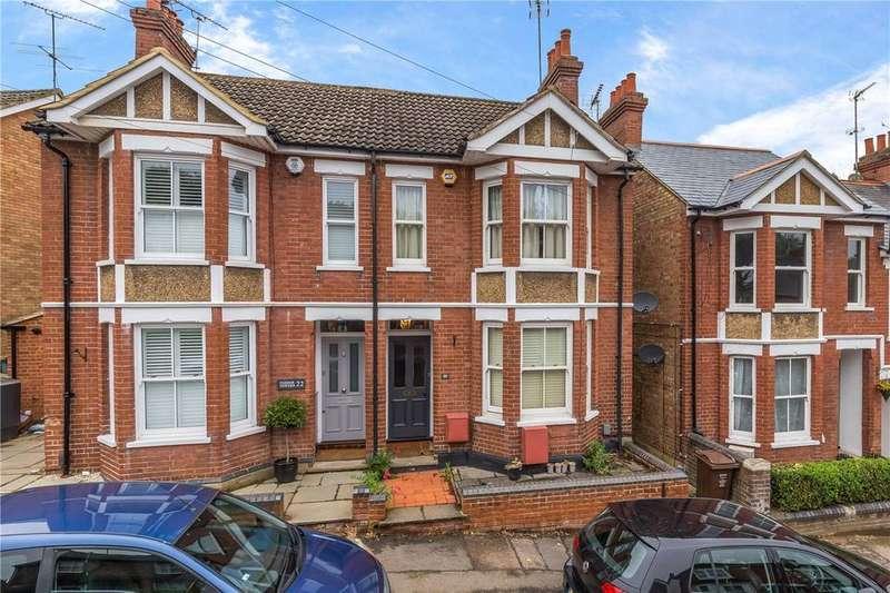 4 Bedrooms Semi Detached House for sale in Park Mount, Harpenden, Hertfordshire