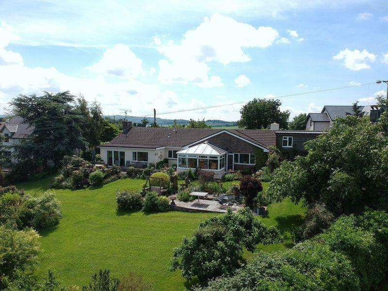 3 Bedrooms Bungalow for sale in St Maughans, Monmouth