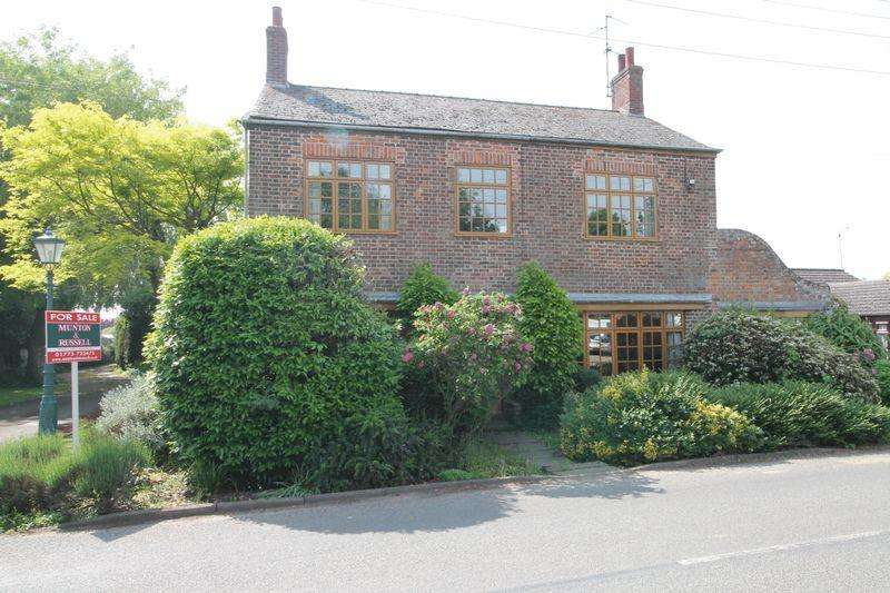 4 Bedrooms Detached House for sale in High Street, Moulton