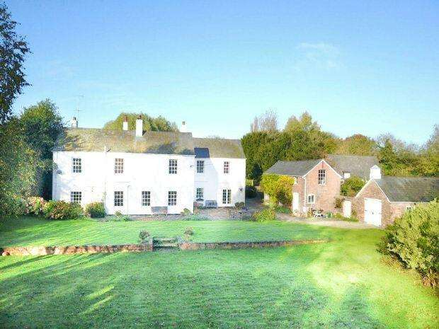 6 Bedrooms Detached House for sale in Minsterworth, GLOUCESTER