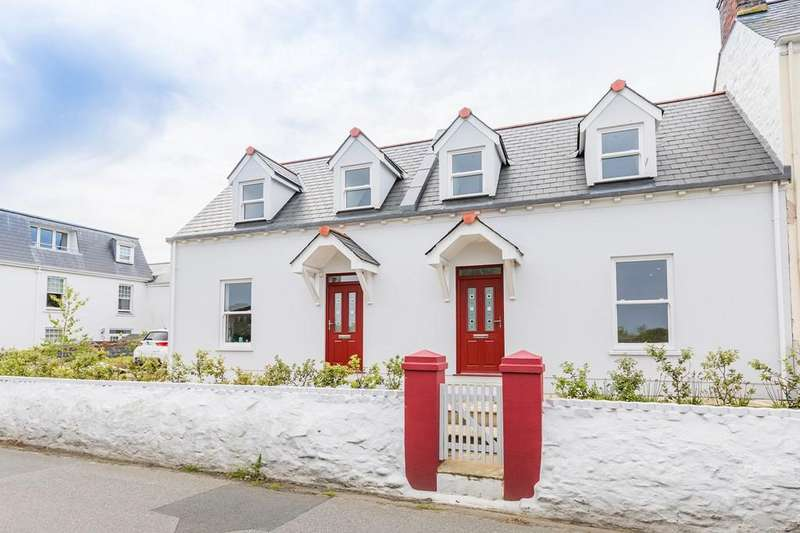 3 Bedrooms Semi Detached House for sale in La Grande Rue, St. Saviour, Guernsey