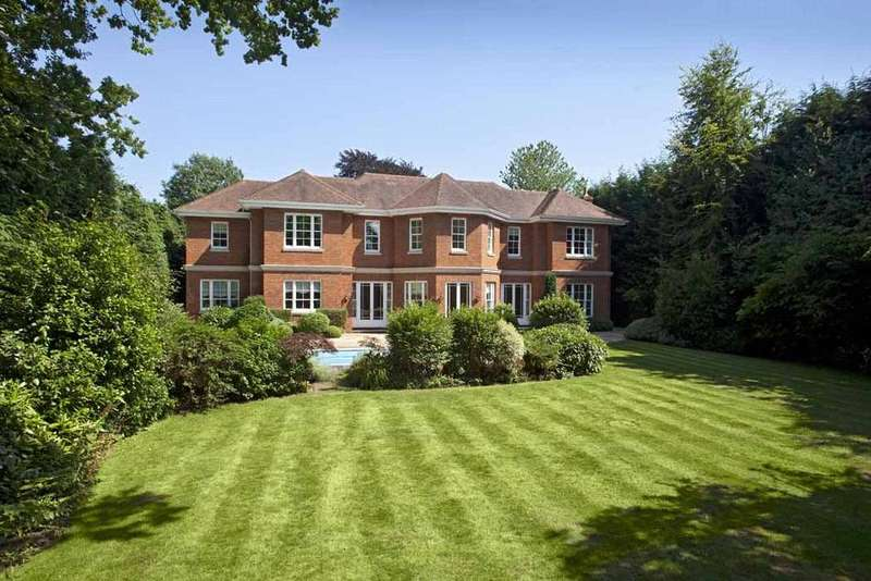 6 Bedrooms Detached House for sale in Blackhills, Esher, Surrey, KT10
