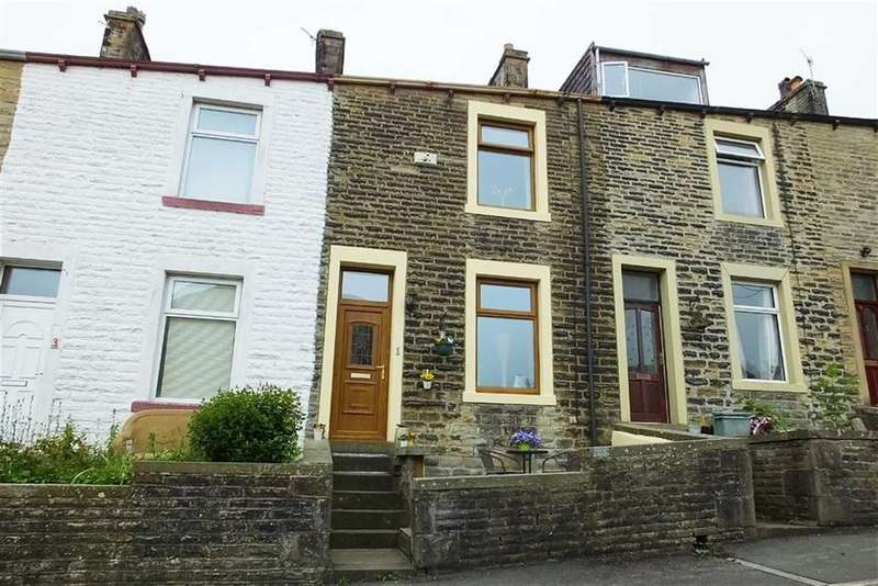 3 Bedrooms Terraced House for sale in James Street, Barnoldswick, Lancashire, BB18