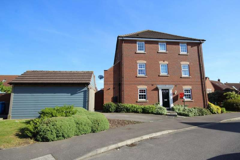 3 Bedrooms Semi Detached House for sale in Hornscroft Park, Kingswood, Hull, HU7