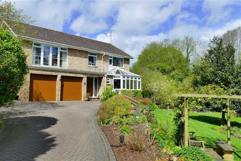 4 Bedrooms Detached House for sale in Wessington Park, Quemerford, Calne