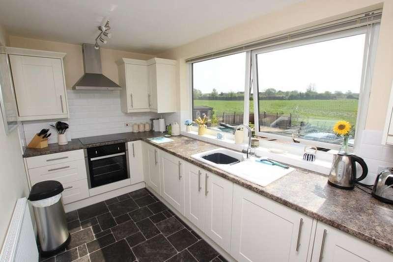 2 Bedrooms Flat for sale in Chapel Court, Langford, Biggleswade, SG18