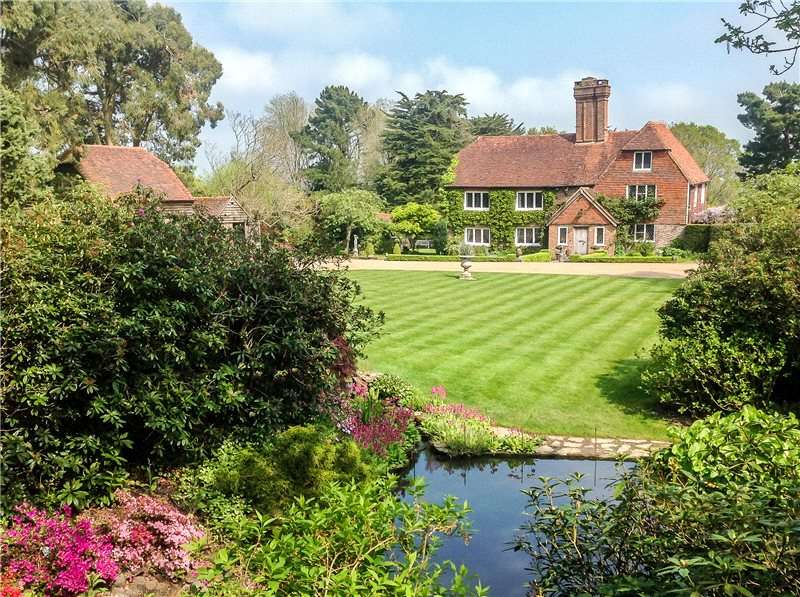 6 Bedrooms Detached House for sale in Bodle Street Green, Nr. Herstmonceux