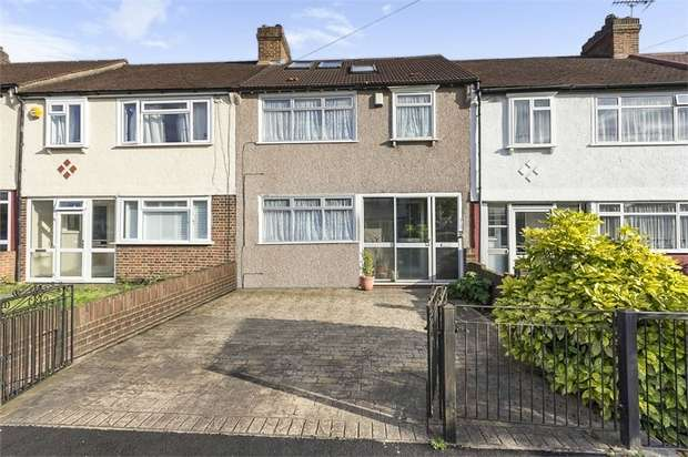 4 Bedrooms Terraced House for sale in Brockenhurst Way, London
