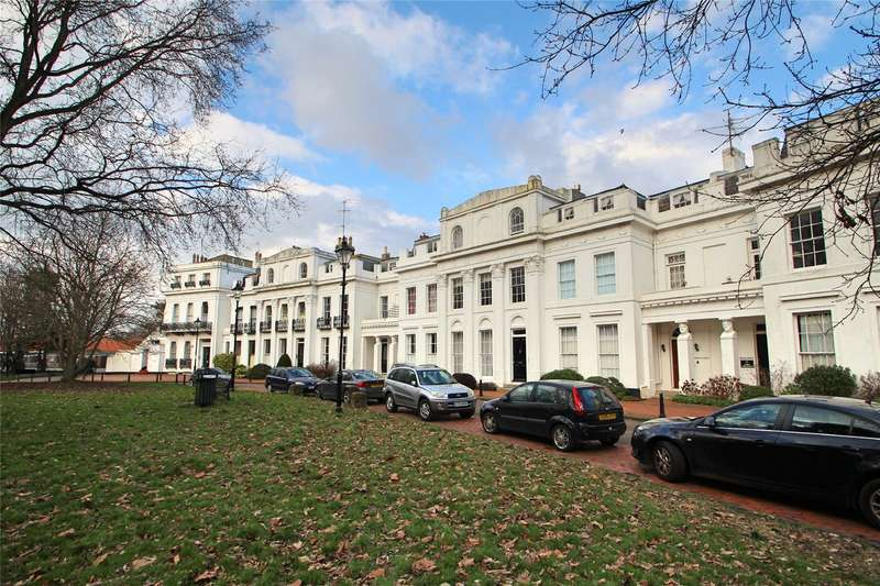 5 Bedrooms House for sale in Park Crescent, Worthing, West Sussex, BN11