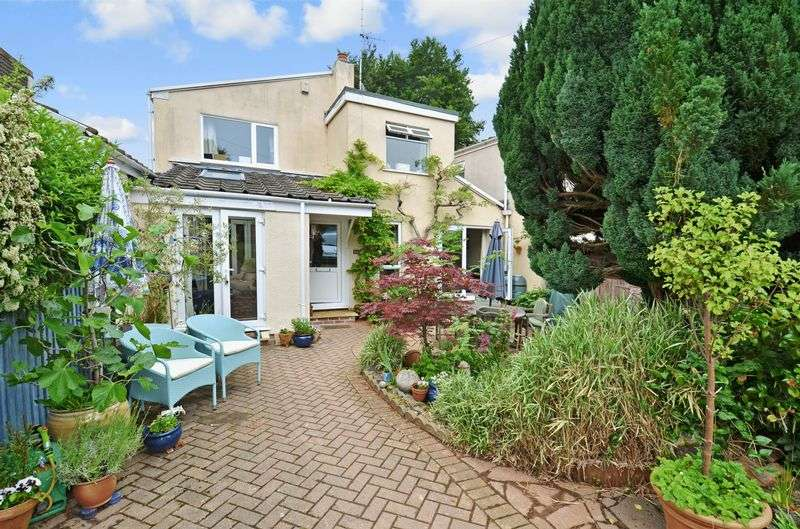 4 Bedrooms Property for sale in Wilton Way Abbotskerswell, Newton Abbot