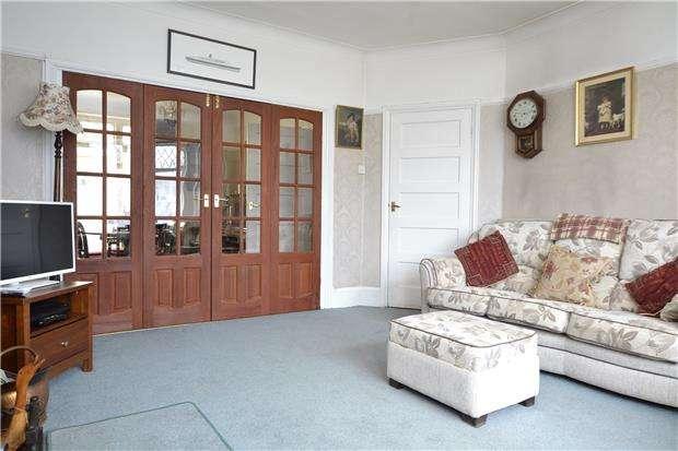5 Bedrooms Semi Detached House for sale in Harbury Road, BRISTOL, BS9 4PL