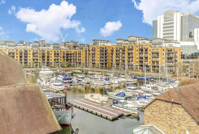 2 Bedrooms Flat for sale in Burr Close, St Katharine Docks, E1W