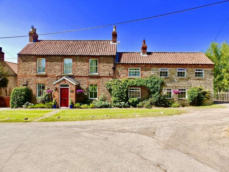 4 Bedrooms Detached House for sale in Scagglethorpe, Malton, North Yorkshire, YO17