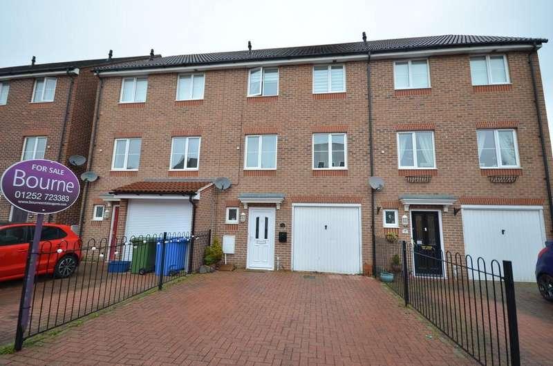 4 Bedrooms Town House for sale in Woodland Walk, Aldershot