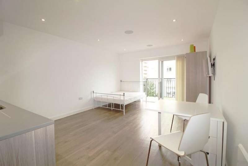 Studio Flat for sale in Goldhawk House, Colindale, London NW9