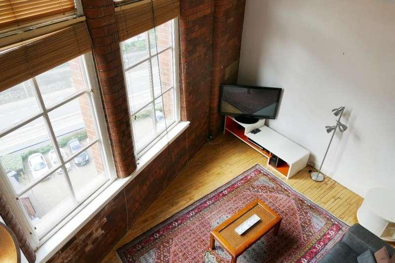 2 Bedrooms Penthouse Flat for sale in CENTAUR HOUSE, 91 GREAT GEORGE STREET, LEEDS, LS1 3LA