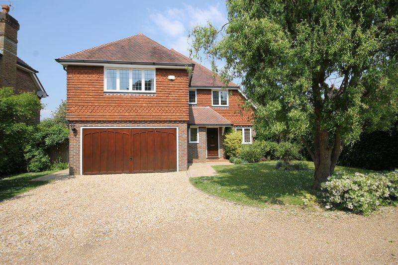 5 Bedrooms Detached House for sale in Hammonds Gardens, Burgess Hill, West Sussex