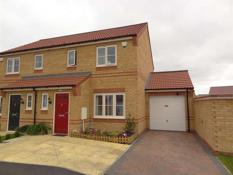 3 Bedrooms Detached House for sale in Stamford Close, Sleaford