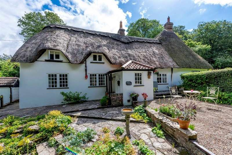 4 Bedrooms Property for sale in Tarrant Rushton, Blandford Forum