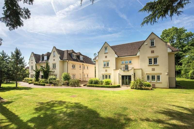 2 Bedrooms Flat for sale in Mackintosh Court, 103 Packhorse Road, Gerrards Cross, Buckinghamshire, SL9