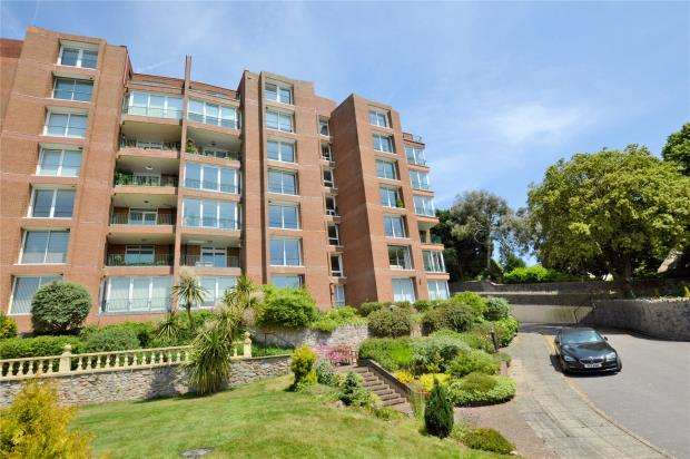 3 Bedrooms Flat for sale in Teneriffe, Middle Warberry Road, Torquay, Devon