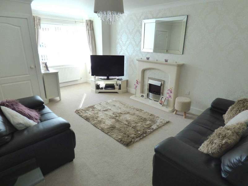3 Bedrooms Semi Detached House for sale in Kirkwood Drive, Redcar