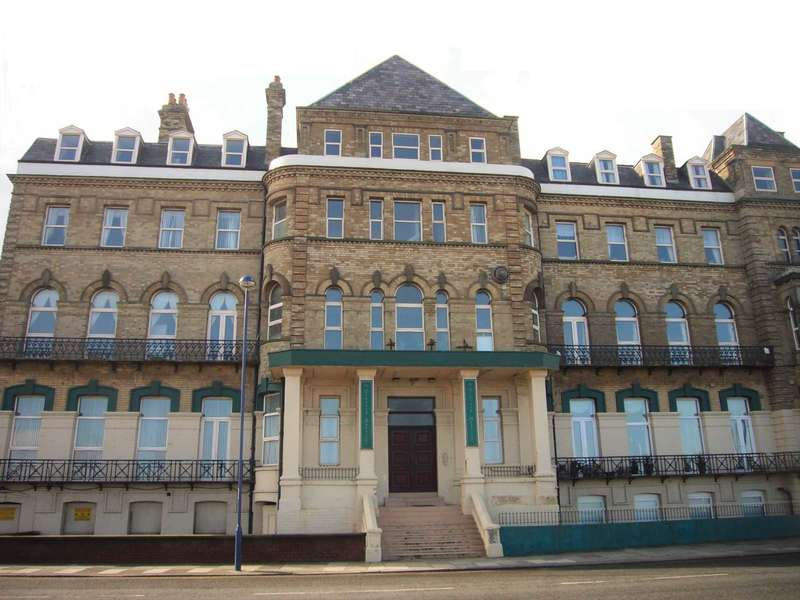 3 Bedrooms Apartment Flat for sale in Regency Mansions, Redcar