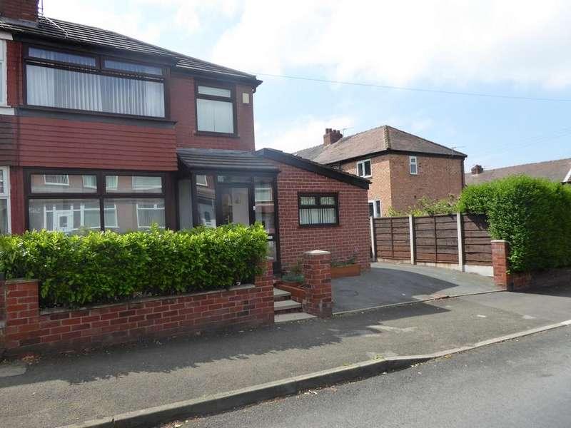 3 Bedrooms Semi Detached House for sale in Springfield Road, Droylsden, M43