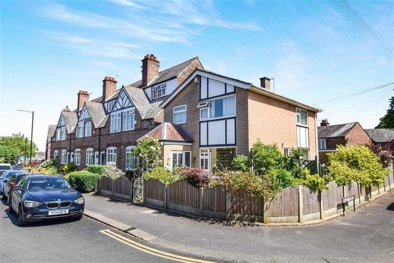 3 Bedrooms Detached House for sale in Lawrence Road, Altrincham, Cheshire, WA14