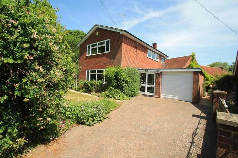 3 Bedrooms Detached House for sale in Manor Road, Rowsham, Aylesbury