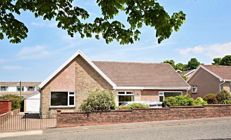 3 Bedrooms Bungalow for sale in The Avenue, Girvan, South Ayrshire, KA26 9DT