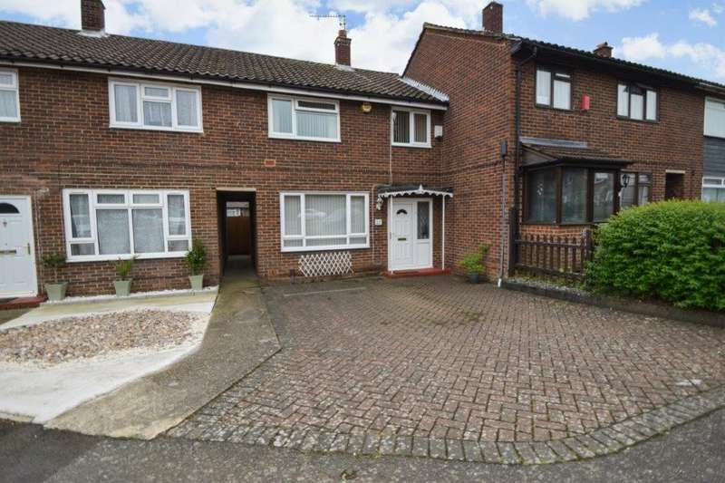 3 Bedrooms Terraced House for sale in Bartelotts Road, Slough, SL2
