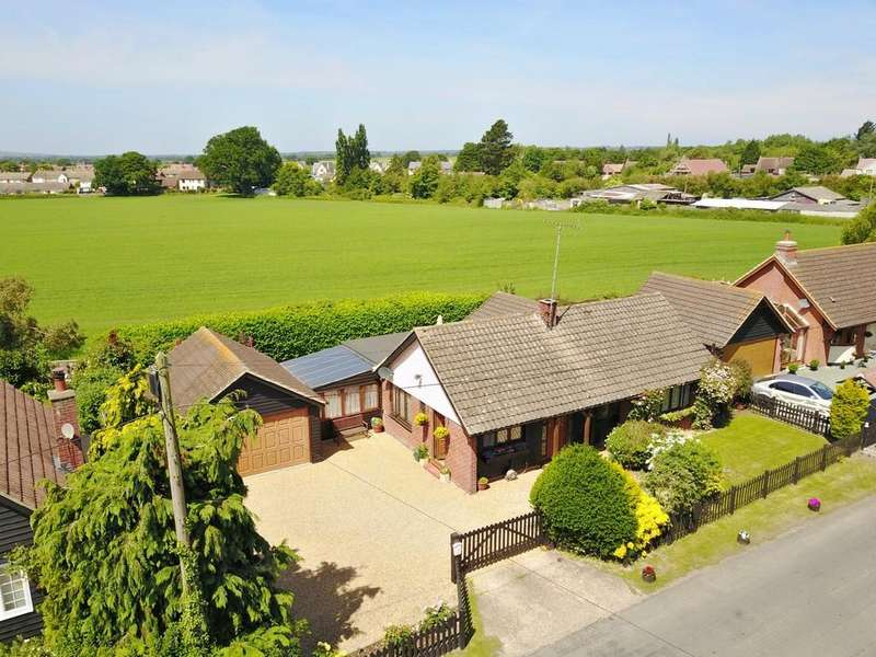 5 Bedrooms Detached Bungalow for sale in Church Street, Goldhanger, CM9 8AR