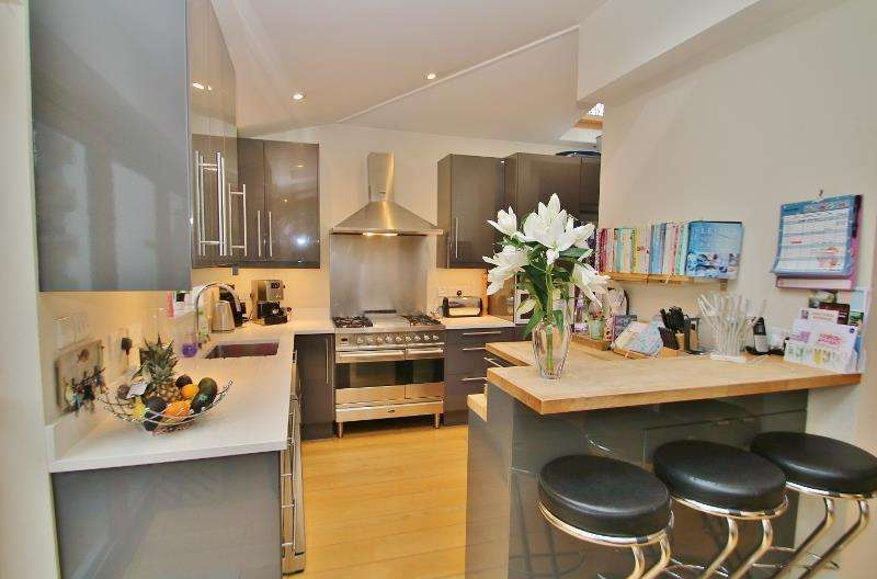 3 Bedrooms House for sale in Mill Road, South Wimbledon