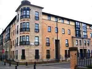 3 Bedrooms Flat for sale in 7 Thistle Terrace, Glasgow G5