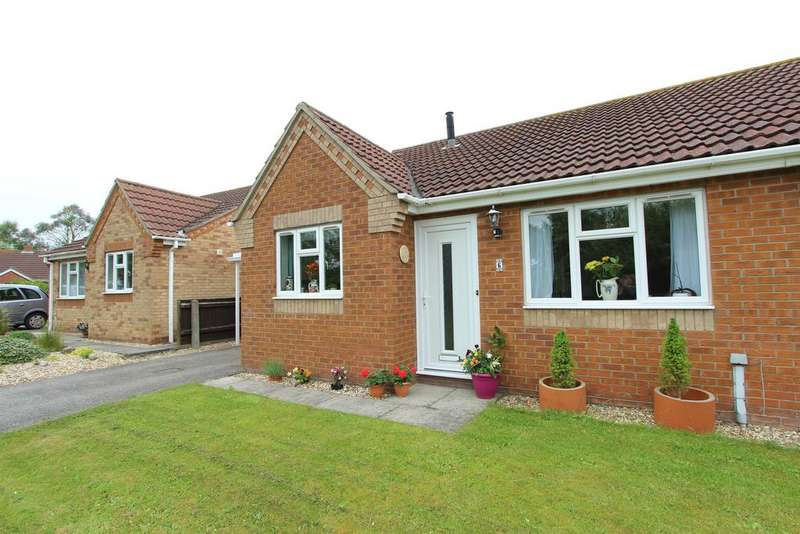 2 Bedrooms Semi Detached Bungalow for sale in Stapes Garth, Grainthorpe, Louth, LN11 7FD